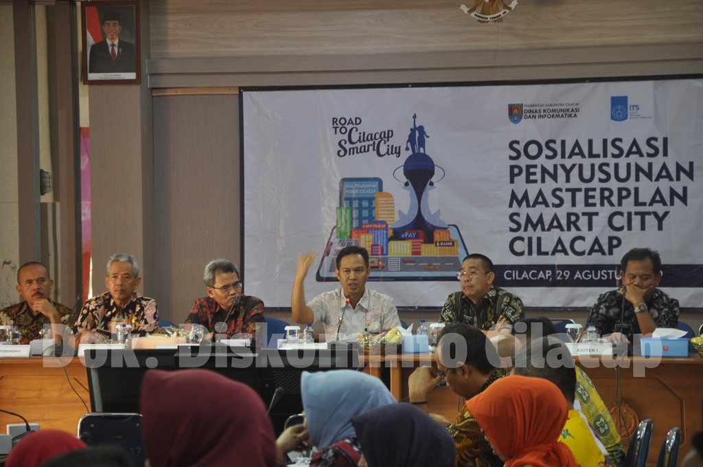 You are currently viewing Gandeng ITS, Diskominfo Cilacap Susun Masterplan Smart City